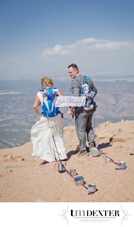 pikes-peak-summit-wedding-photo
